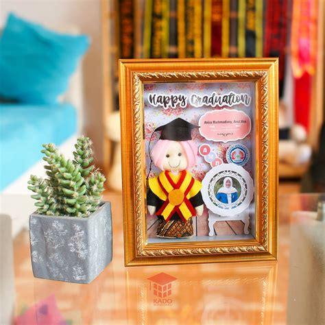 Graduation Gift Kado Wisuda suplier scrapframe flanel golden murah limited kado wisudaku