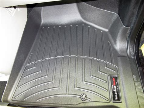 Floor Mats For 2013 Chrysler Town And Country by 2013 Chrysler Town And Country Floor Mats Weathertech