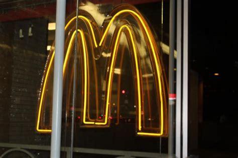 Mcdonalds Big Mac Sauce Giveaway Locations - mcdonald s reveals locations giving away 10k bottles of special sauce gephardt daily