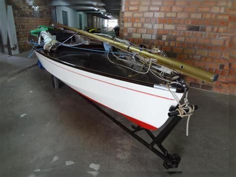 sailing boat dinghy for sale wayfarer sailing dinghy for sale daily boats buy