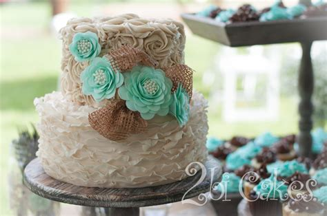 shabby chic wedding cake by 2bi cakes cakecentral com
