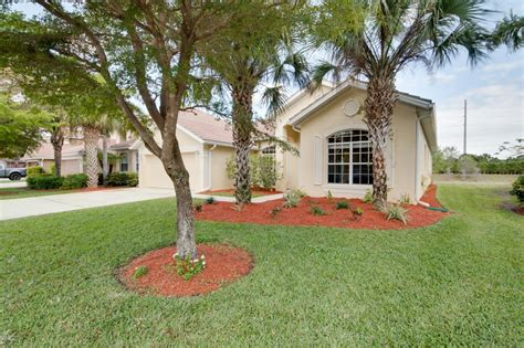 houses for sale in fort myers how different the right price give you for a home fort myers florida 33912 listing
