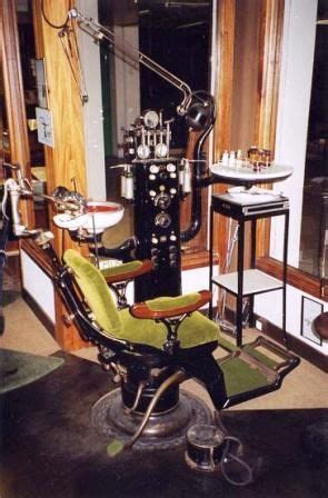 images  vintage dentist chairs  pinterest