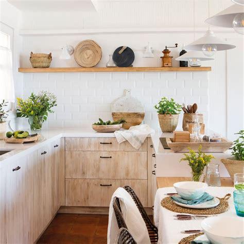 decorar cocinas grandes cocinas muebles decoraci 243 n dise 241 o blancas o peque 241 as