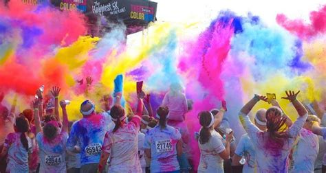 what is the color run paint the town pink and blue at the colour run the