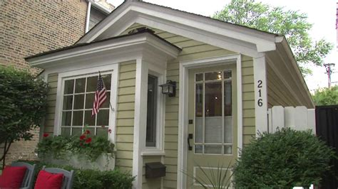 Tiny House For Rent Chicago | photos inside the 1871 chicago tiny house for sale