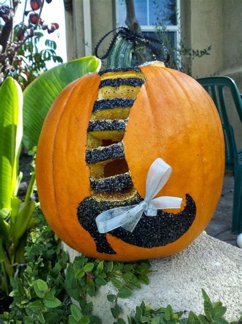 40 awesome pumpkin carving ideas for halloween decorating