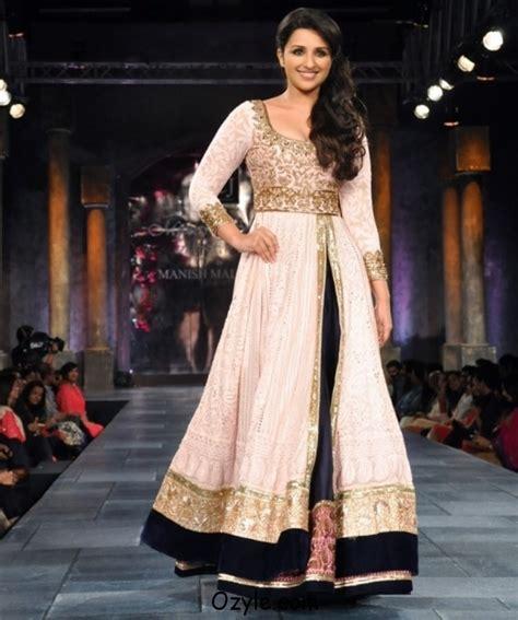 bollywood actress dress collection indian fashion designer manish malhotra ozyle