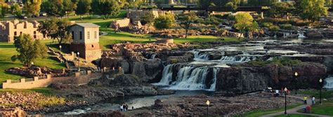 Of Sioux Falls Mba Courses by Falls Park In Sioux Falls South Dakota