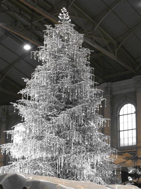 swarovski crystal christmas tree photo