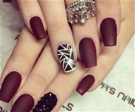 fotos de uñas acrilicas navideñas acrilicas mujeres