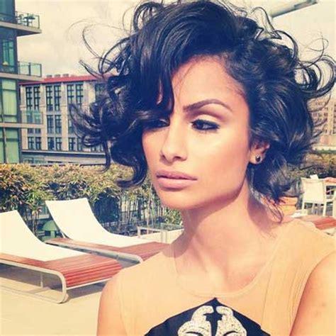 short curly hair model short hair styles for curly hair model nazanin mandi
