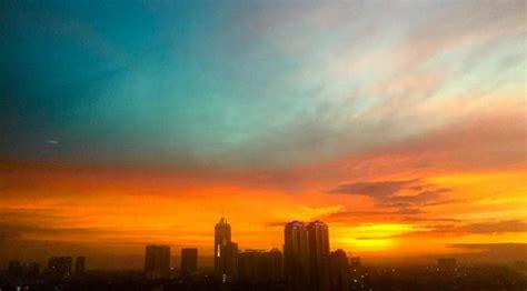 indahnya senja  langit jakarta news liputancom
