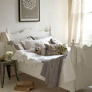 Bedroom Accessories Ideas Uk Bedroom Decorating Ideas To Tweet About Room Envy