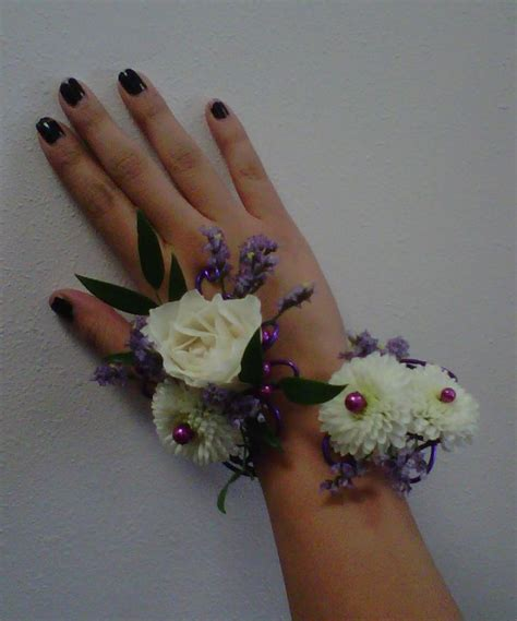 trendy corsages trendy corsages 13 best ideas about trendy prom flowers