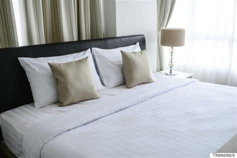 how to make a beautiful bed nate berkus shares his secret to making a truly beautiful bed huffpost