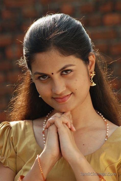 hindi heroine biodata aashritha stills veethi