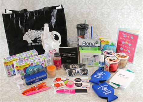 Swag Bag Giveaway - a look into blogher 2014 swag bag giveaway stitch and unwind