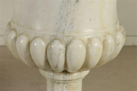 vasi in marmo coppia di vasi in marmo pietre e arredi giardino