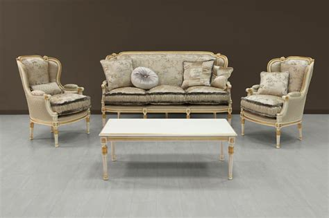 Luxury Sofa White Painted With Gold Ornamentation Idfdesign Luxury Recliner Sofas