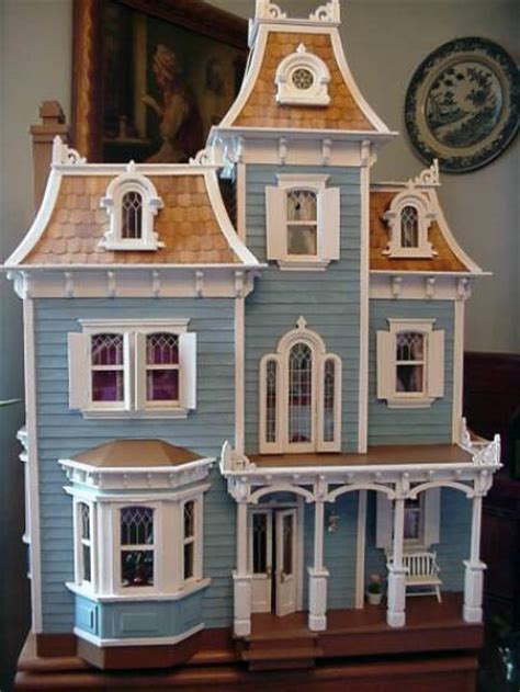 doll house pic featuring wendy elaine s miniatures