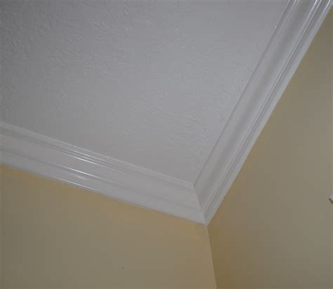 Modern Trim Molding by La Vie Quotidienne A Notch Up The Ceiling