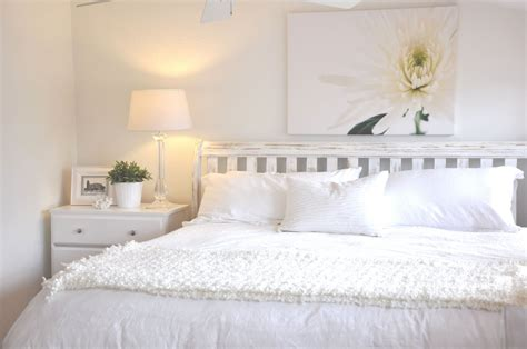 Decorating Ideas For A Bedroom With White Furniture Bedroom Decorating Ideas White Furniture Room Decorating
