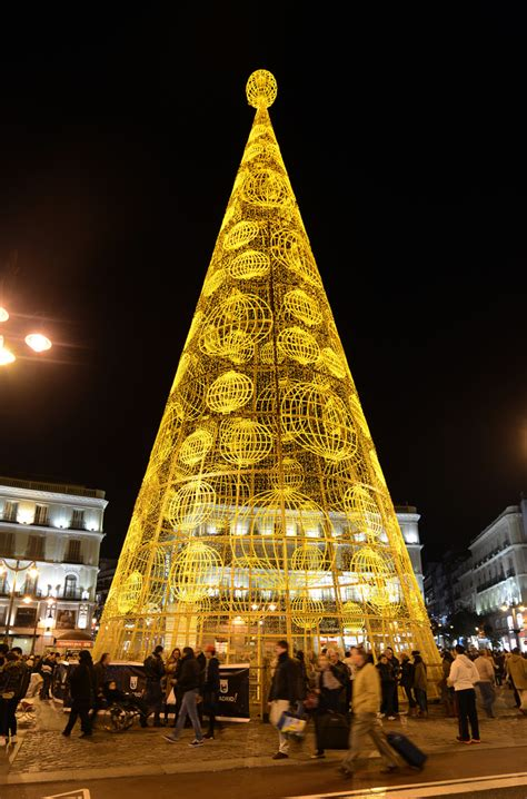 christmas trees around the world slideshow trees for a noel huffpost