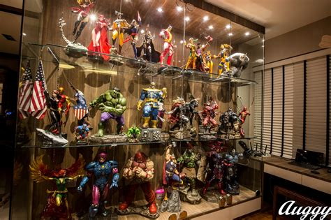 Display Case Lighting Sideshow Featured Collector Augustine Loh Sideshow