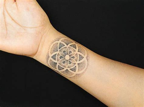 pointillism tattoo designs best 25 pointillism ideas on stippling