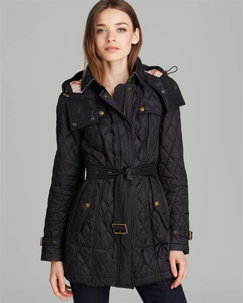 burberry finsbridge quilted coat in black lyst