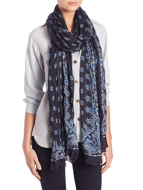 laurent bandana print silk scarf in white