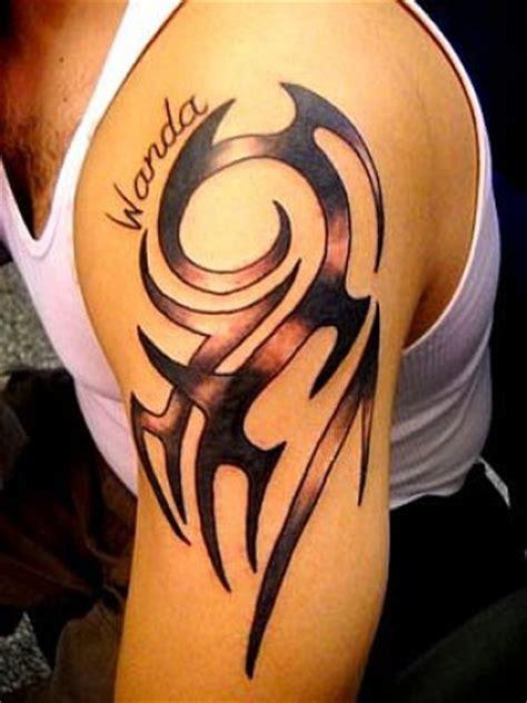 tattoo tribal en el brazo tatuaje de tribal en el brazo con nombre tatuajes en el