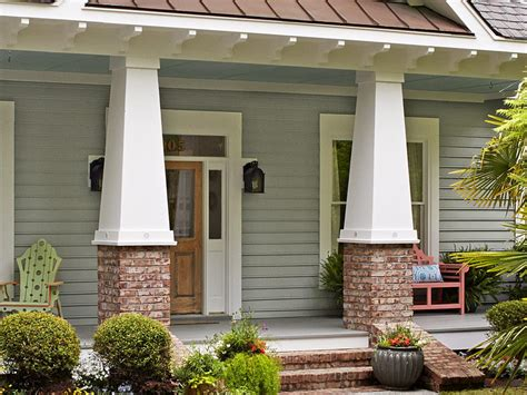 country landscaping ideas hgtv columns squared tapered columns are a classic craftsman