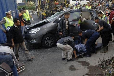 kabar berita kecelakan di ambon hari ini terlindas truk dua orang tewas di tabanan republika online