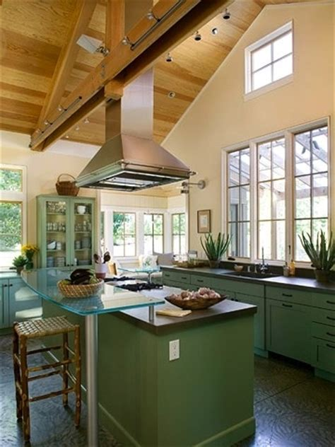 vaulted ceiling kitchen ideas a previously pinned vaulted ceiling idea from better homes gardens magazine flipped to show