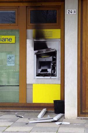 bancomat veneto l assalto al postamat di ponzano veneto corriere veneto