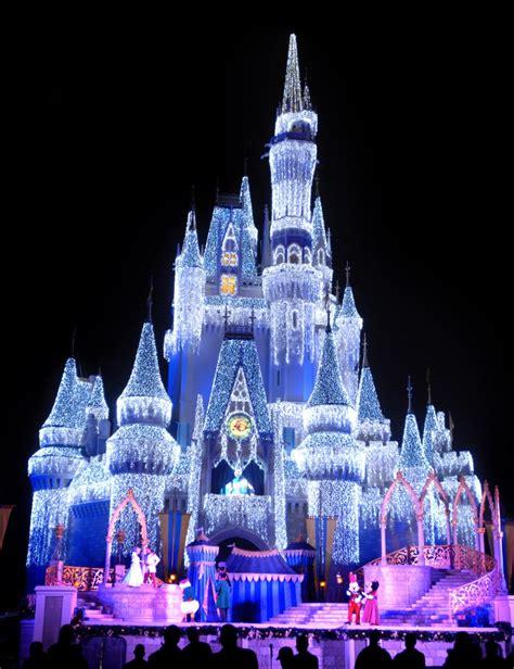 Walt Disney World Resort At Holidaytime Unwraps Festive Disney World Castle Lights