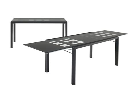 dining table with legs made of wood extensia ligne roset