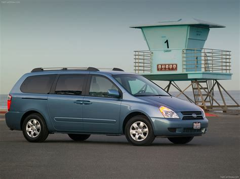 Kia Sedona Vs Hyundai Entourage 2006 Hyundai Minivan File Hyundai Entourage 03 16 2012