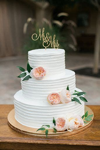 Flowered Wedding Cakes by 25 Best Ideas About Big Wedding Cakes On