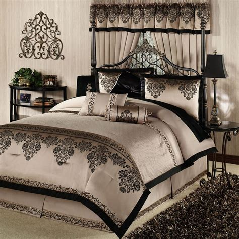 Bedding King Size Sets King Size Bed Comforters Sets Overview Details Sizes Swatch Reviews The Camelot Ii
