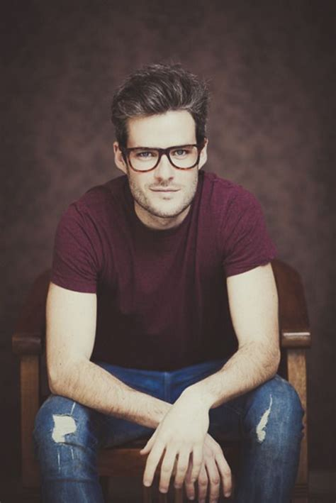 Cool Hairstyles For Guys With Glasses by 23 Cool S Hairstyles With Glasses Feed Inspiration