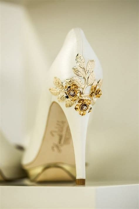 where to get wedding shoes 30 gorgeous jeweled wedding shoes to get inspired