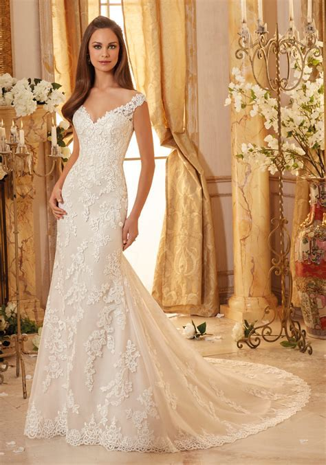 Elegantly Embroidered Lace on Tulle Wedding Dress   Style