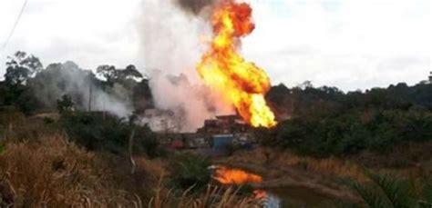 genangan minyak tumpah picu kebakaran  sumur minyak