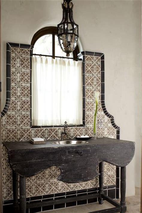 spanish bathroom tile best 20 spanish bathroom ideas on pinterest