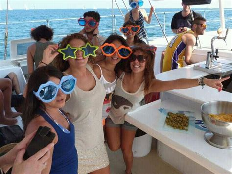 catamaran barcelona cumpleaños catamar 225 n barcelona despedidas absolute fiestas