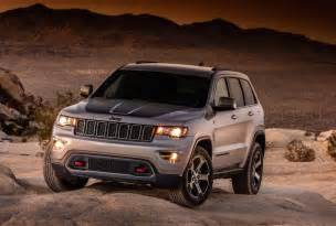 Jeep Grand Cheroke 2017 Jeep Grand Trailhawk Leaks Out Early