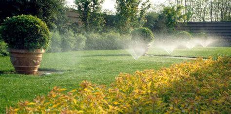 impianto di irrigazione per giardino come realizzare un impianto di irrigazione giardino fai da te